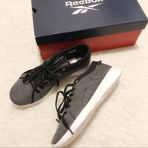 Reebok Runaround Black White Walking Shoes Size 8